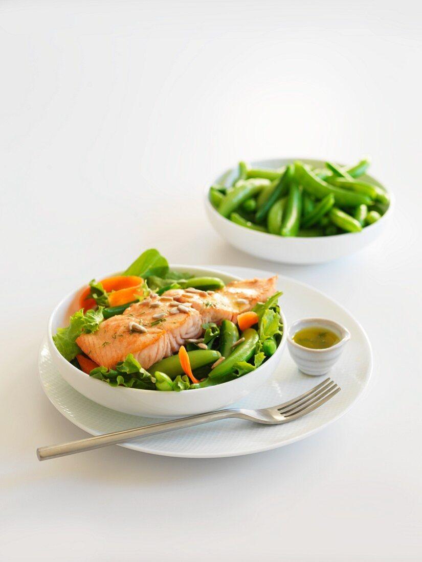 Salmon salad with peas