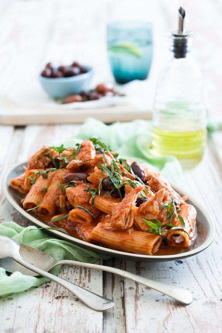 Rigatoni with a spicy tuna fish sauce