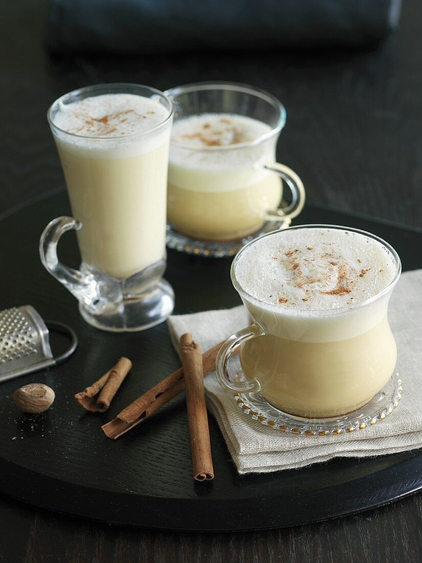 Eggnog (milk drink made with egg and alcohol)