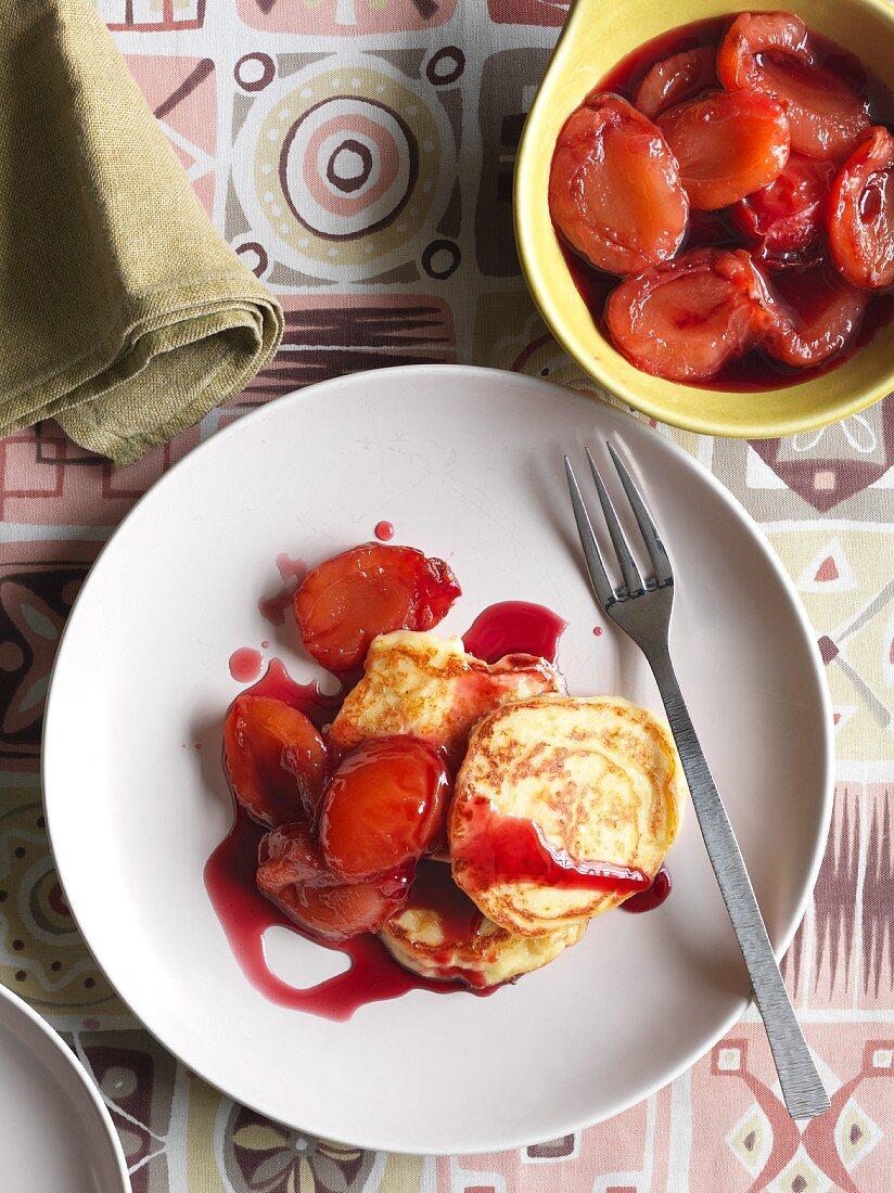 Quark pancakes with plum compote
