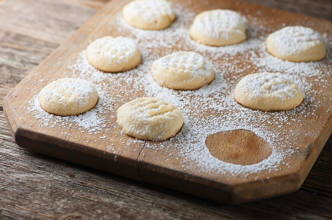 Cookies mit Puderzucker