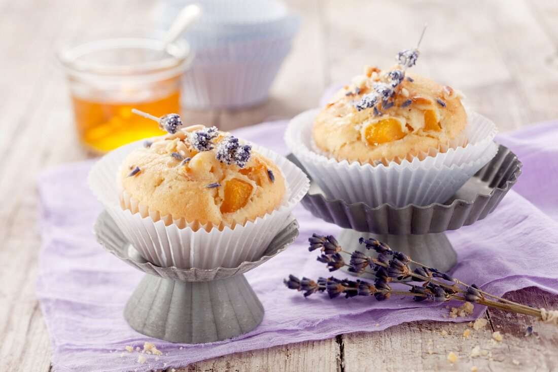 Apricot muffins with lavender