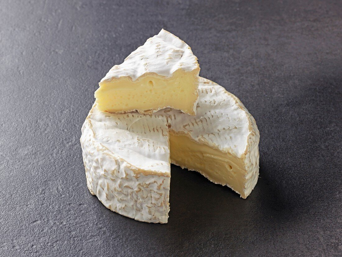 Camembert (French cow's milk cheese)