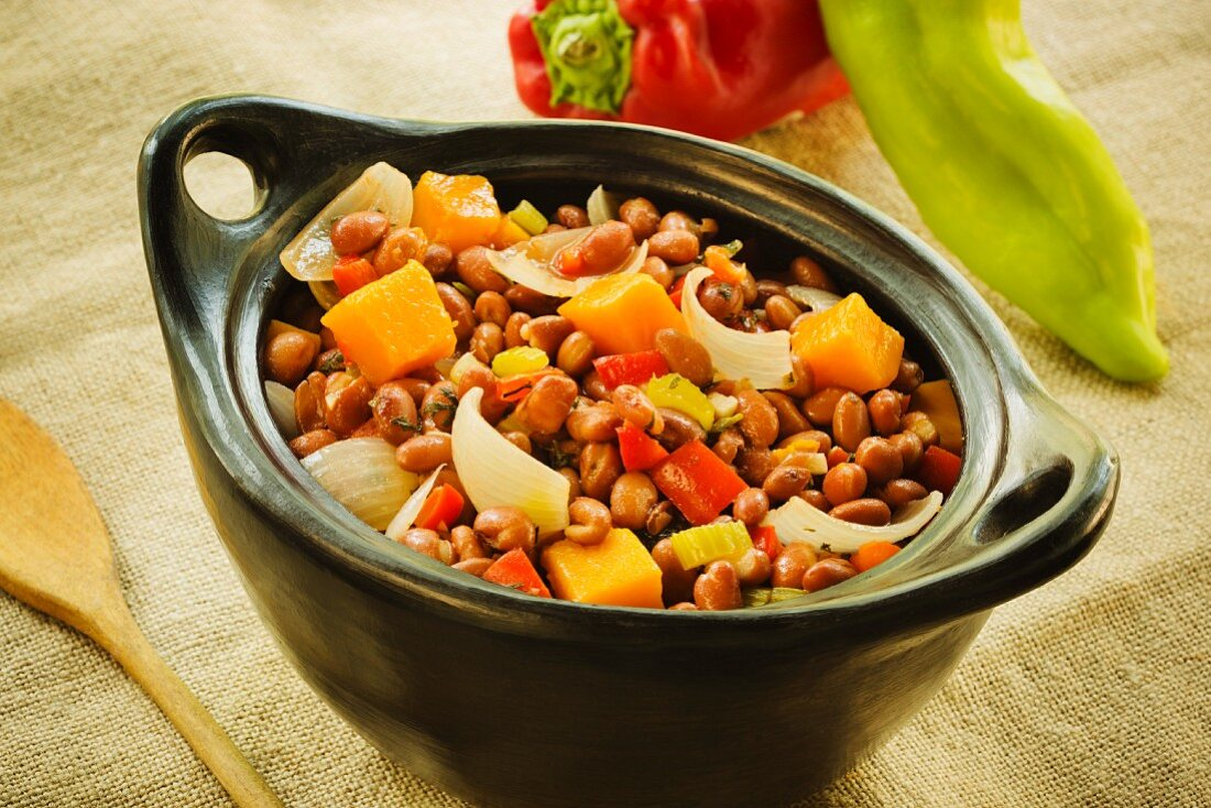 Habichuelas Rojas Guisadas (braised kidney beans with onions, pepper and pumpkin, Caribbean)