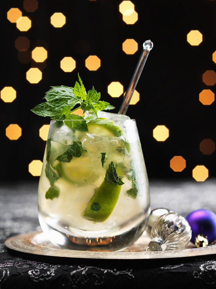 A lime and mint cocktail