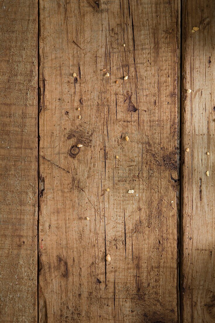 A wooden surface (full frame)