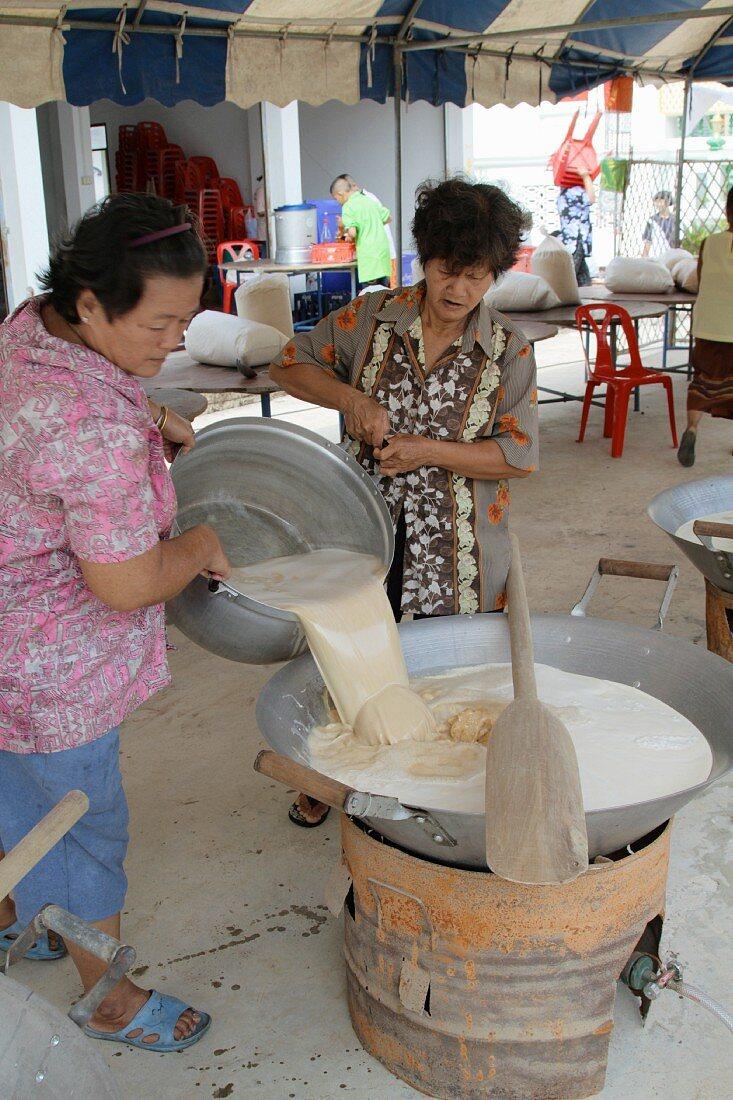 Women making sweet rice