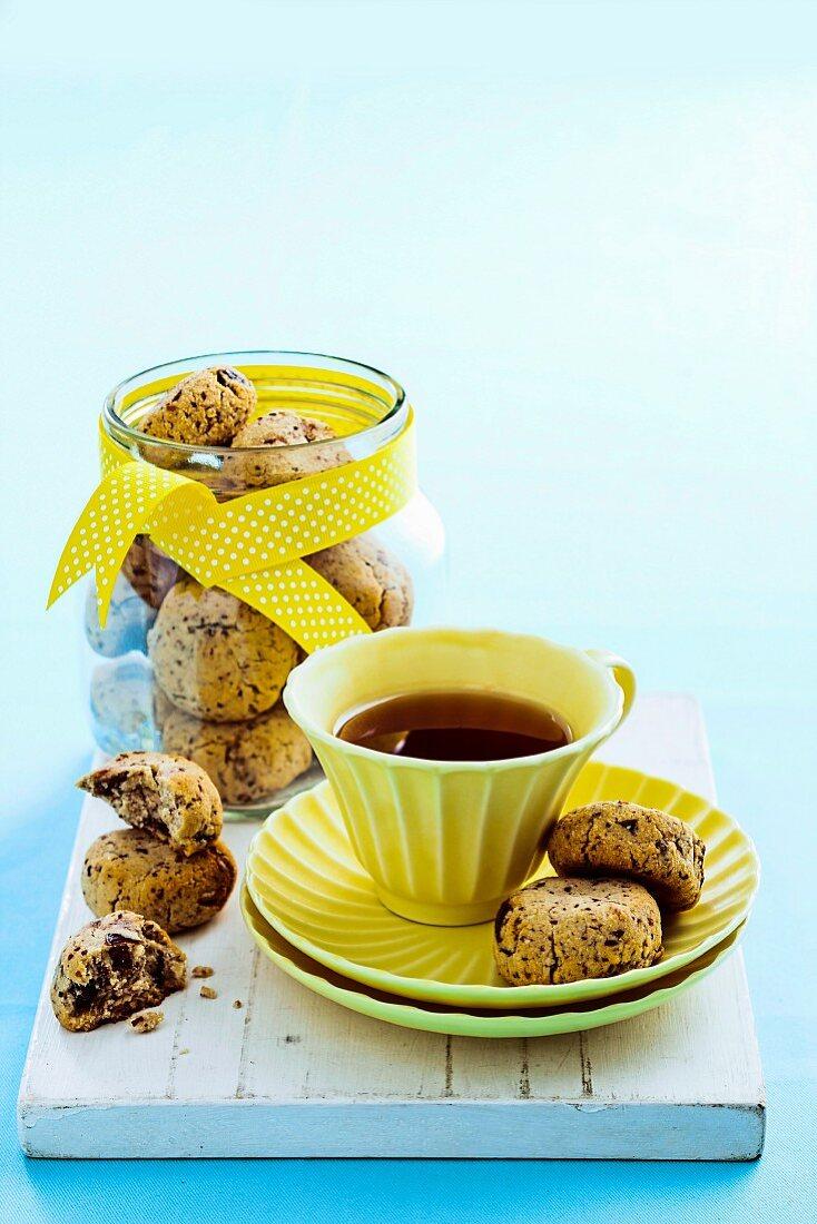 Date and pecan cookies