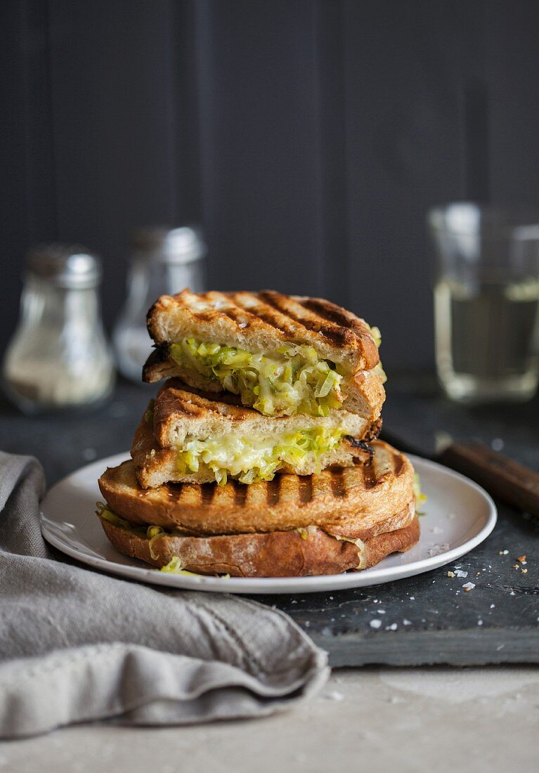 Toasted sandwiches with leek and cheddar cheese
