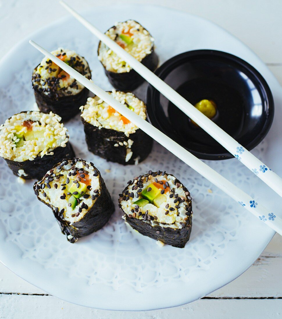 'Low carb' sushi with cauliflower instead of rice