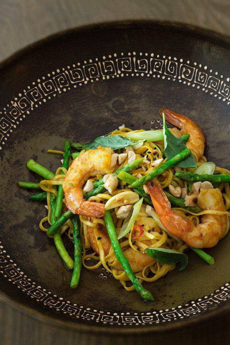 Pad Thai with prawns and asparagus (Thailand)