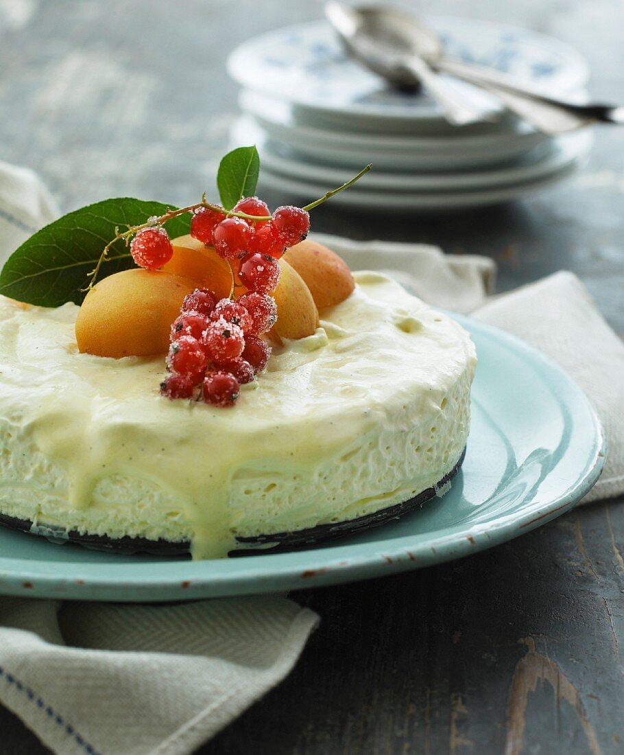 ice cream cake with peaches and redcurrants