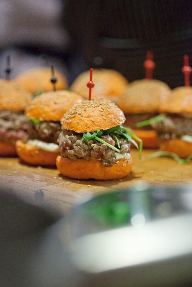 Mini party burgers with steak tartar