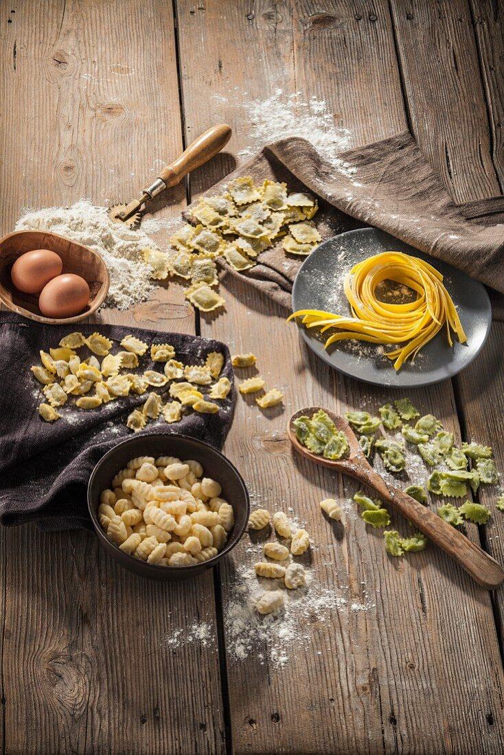 An arrangement of pasta featuring fresh pasta and gnocchi