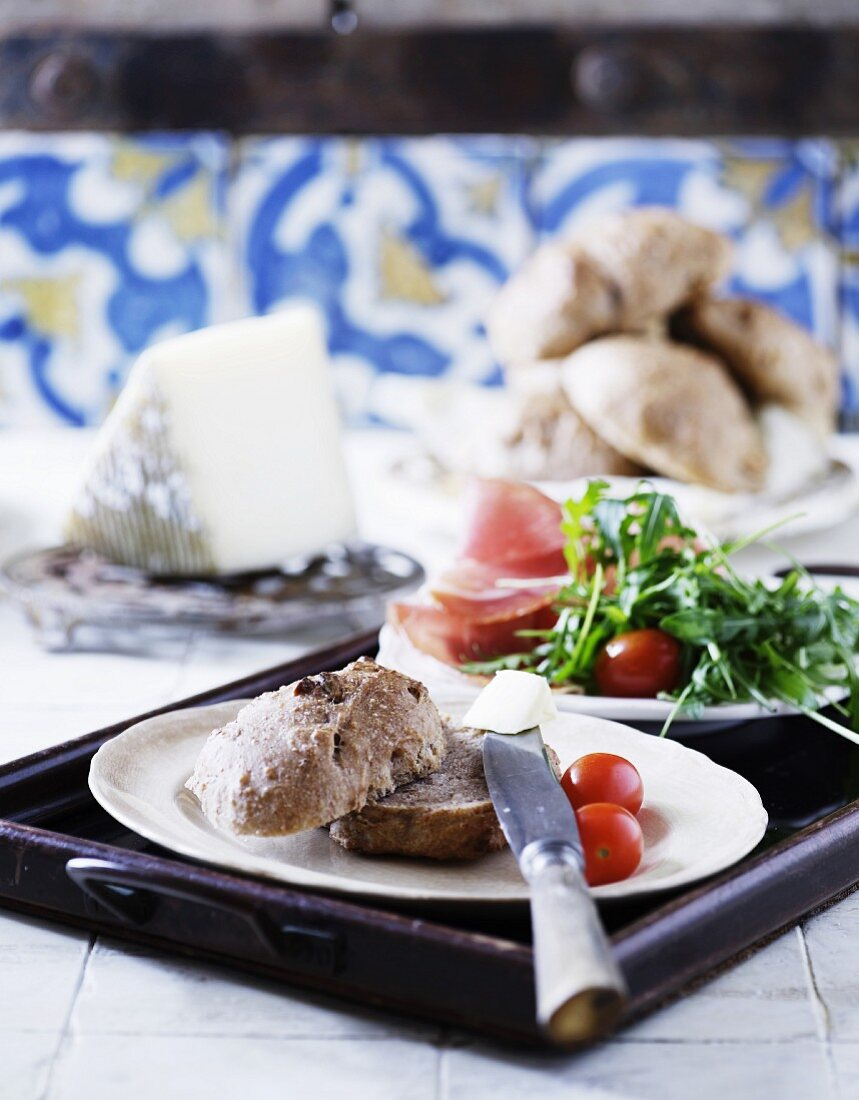 A hearty breakfast with fresh walnut rolls