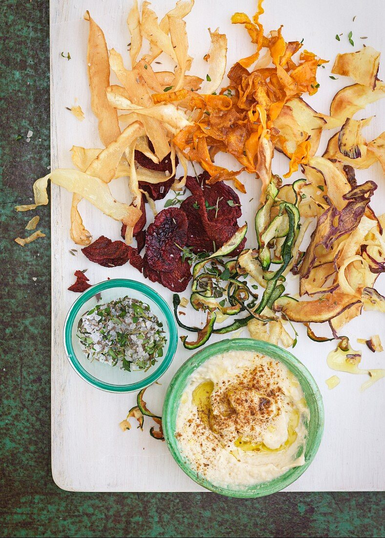 Various vegetable crisps with dips