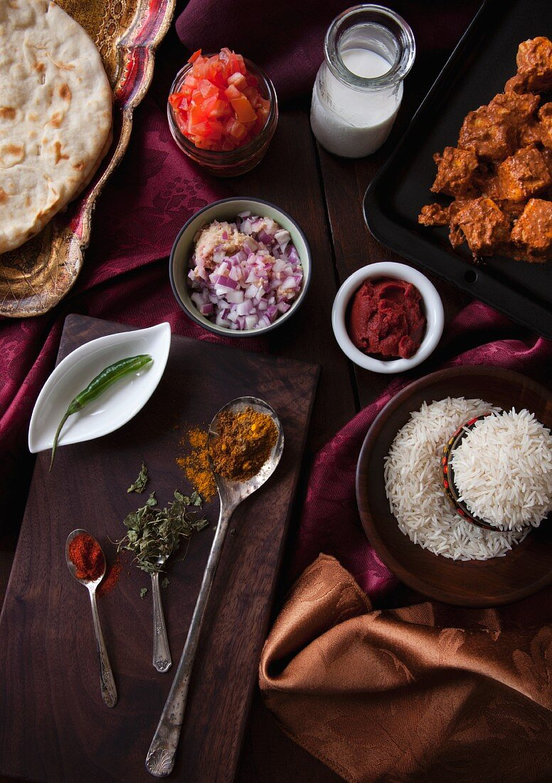 Ingredients for paneer tikka masala with marinated paneer (seen from above)