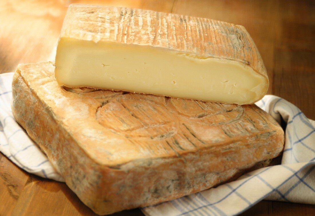 Taleggio (traditional cow's milk cheese, Italy)