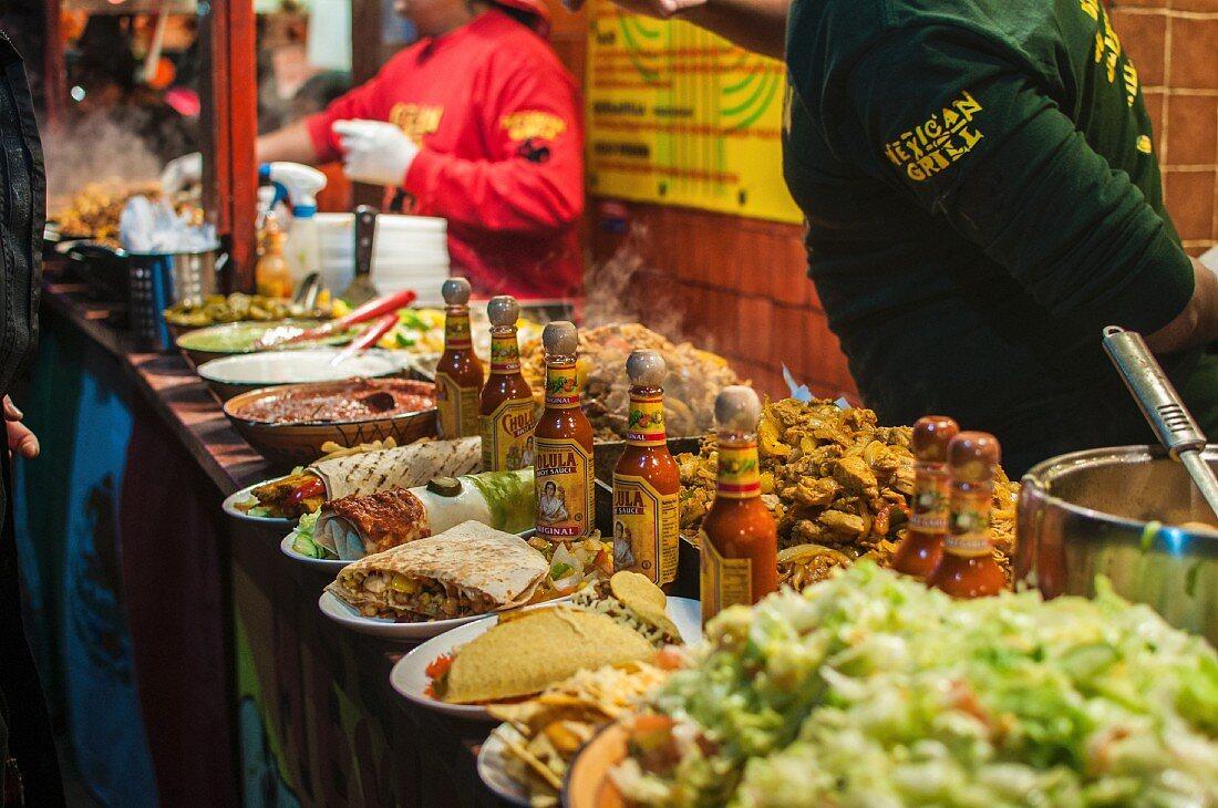 Stand mit mexikanischem Street Food