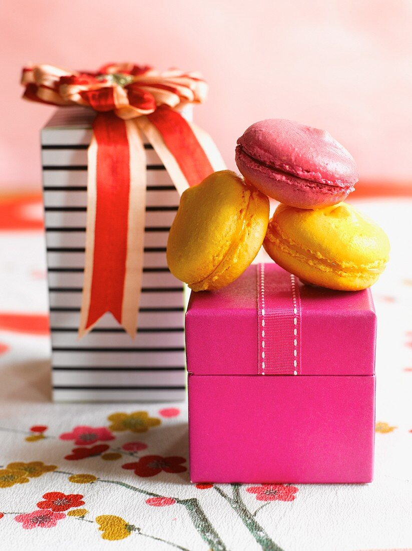 Macaroons and decorative gift boxes