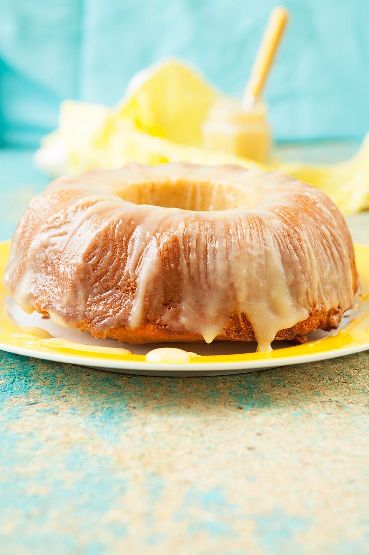 Joghurt-Griess-Kuchen mit Lemon Curd
