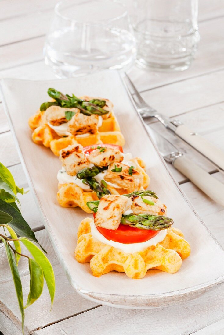 Spicy waffle canapés