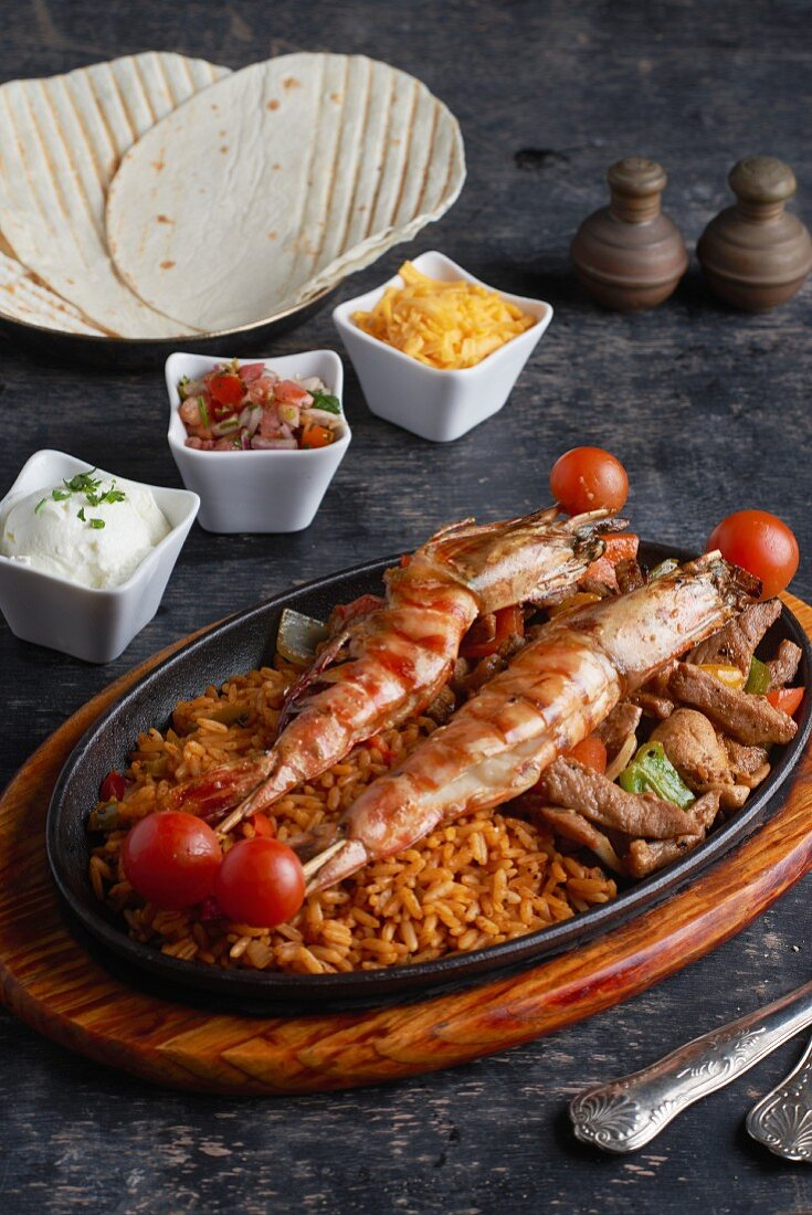 Fajitas with meat and prawns, Mexico