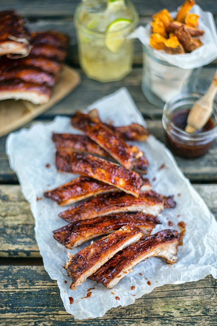 Spicy pork ribs with Bourbon barbecue sauce on paper