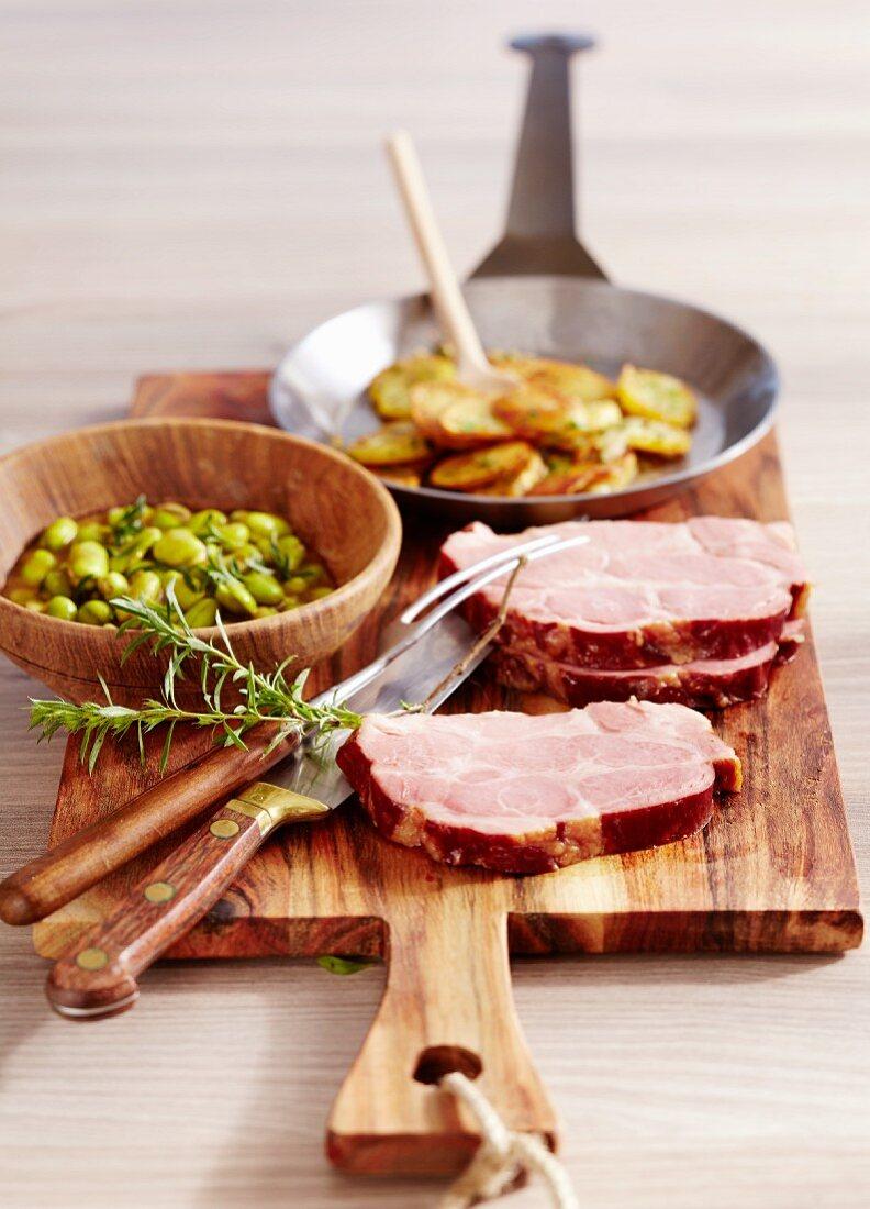 Judd mat Gaardebounen (pork pork collar with broad beans, Luxembourg)
