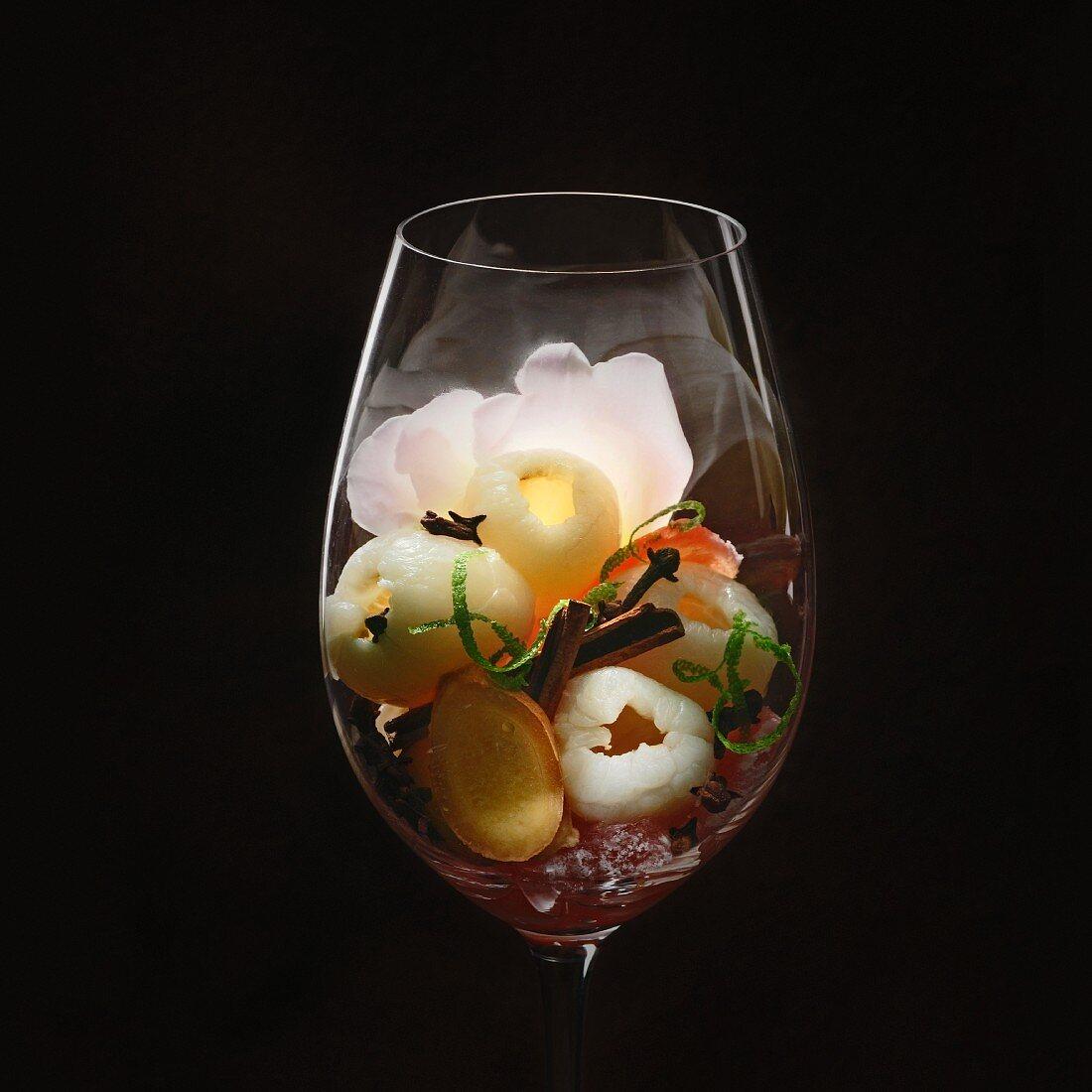 Gewürztraminer-Weinaromen im Weinglas