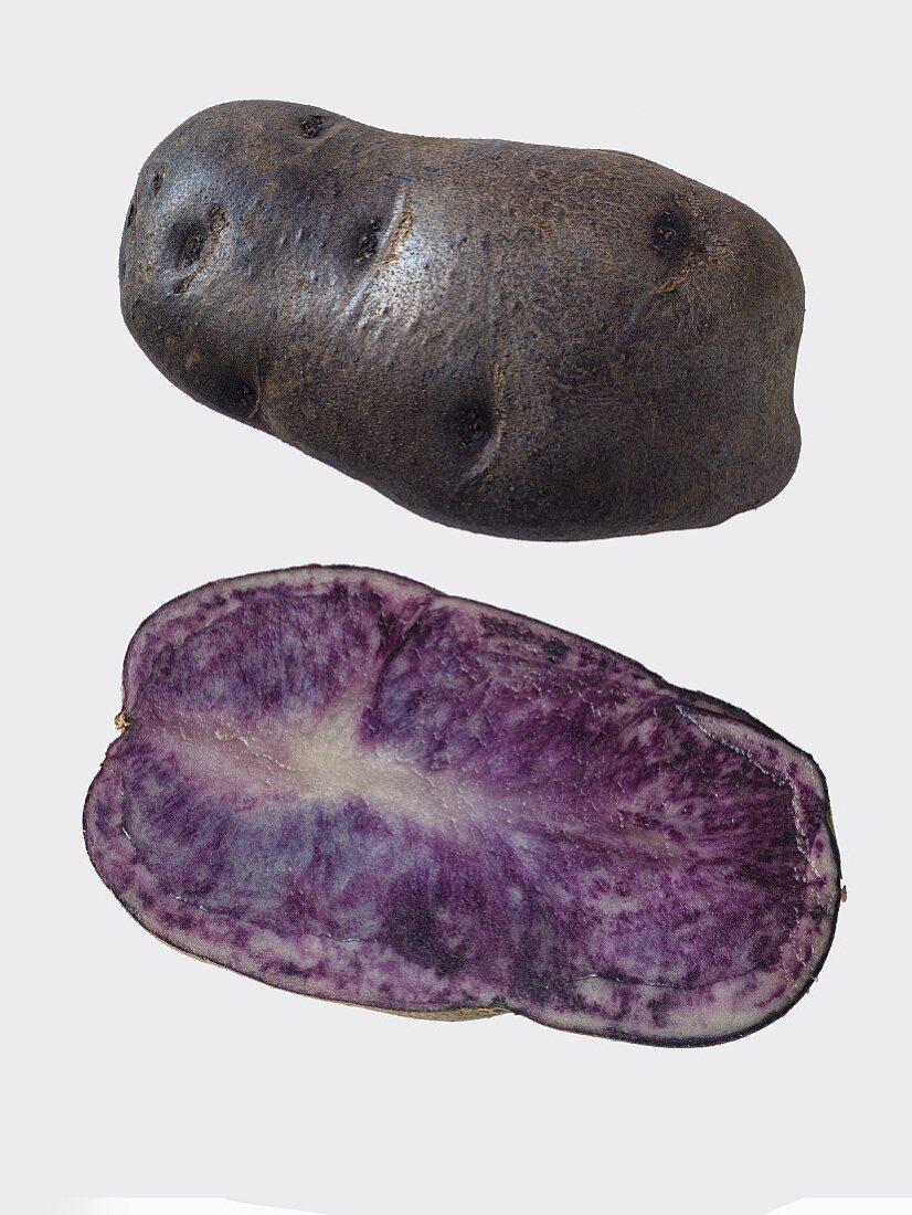 Kartoffeln der Sorte Blaue St. Galler