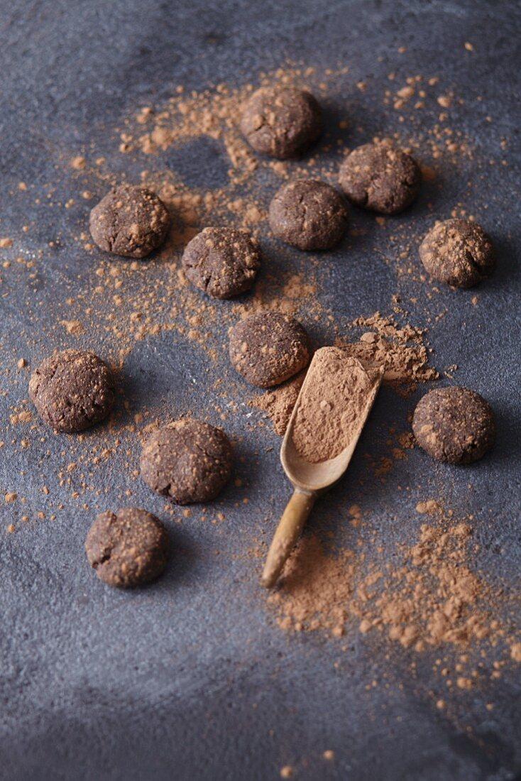 Vegan carob shortbread with cocoa powder