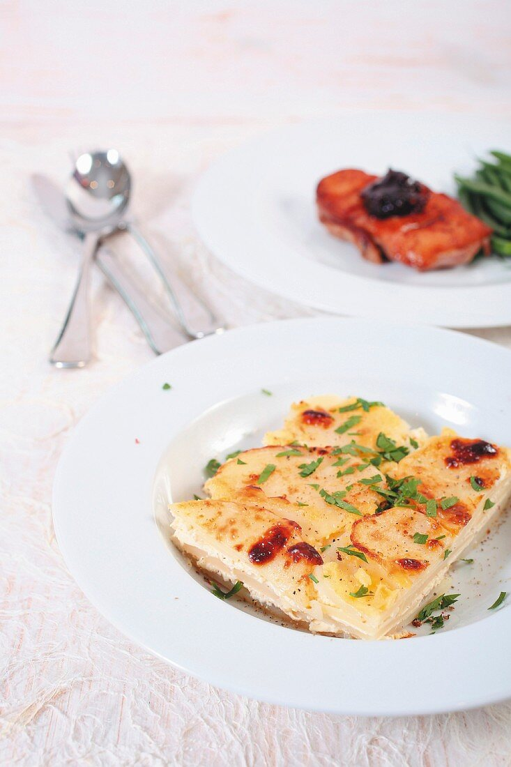 Gratin Dauphinois and fried duck breast
