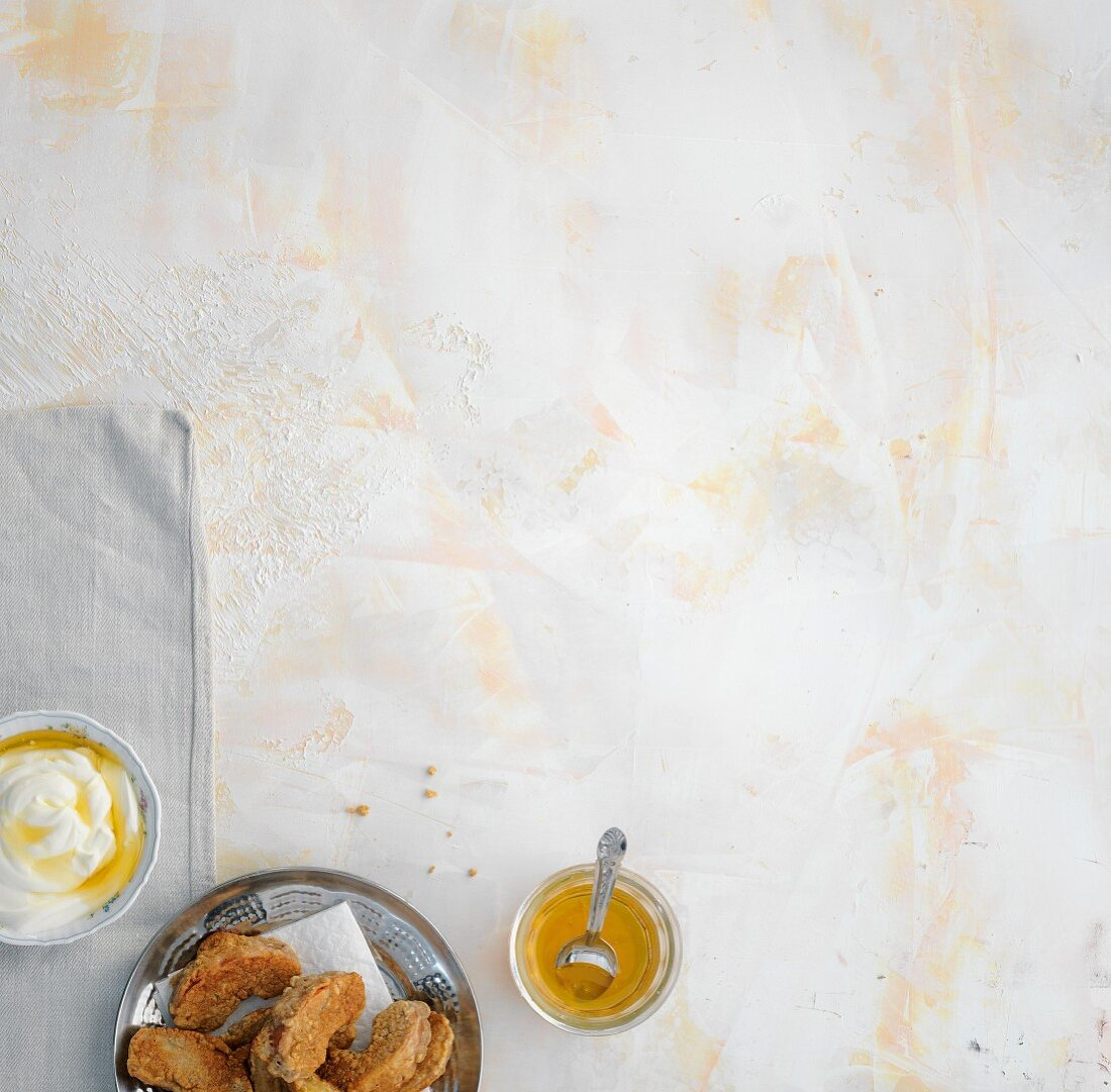 Baked apple wedges with Greek yoghurt and honey