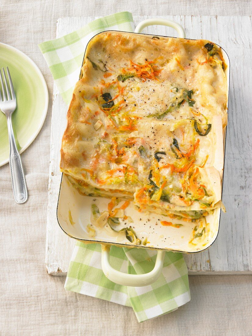 Pointed cabbage and carrot lasagne