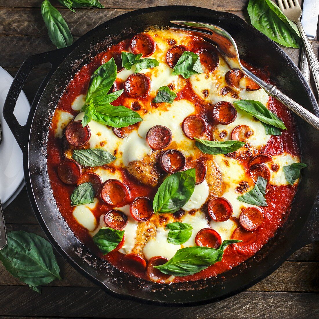 Pizza-style chicken in a pan