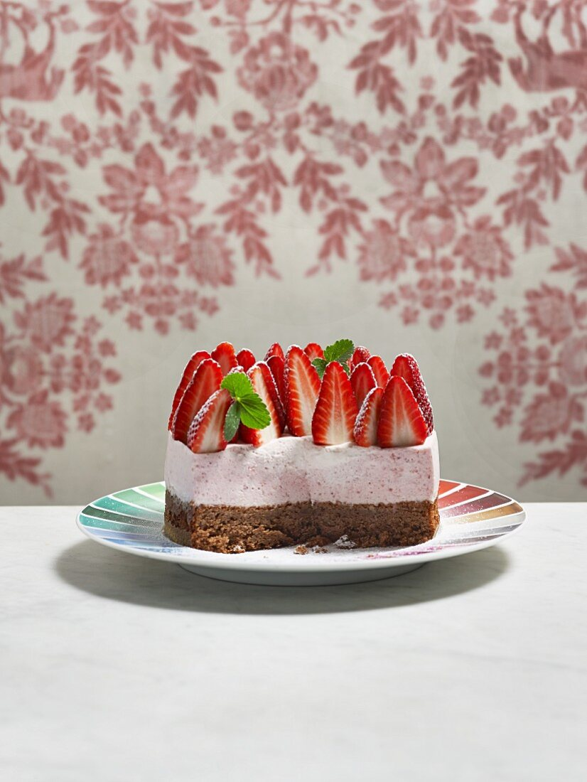 Strawberry mousse cake, sliced