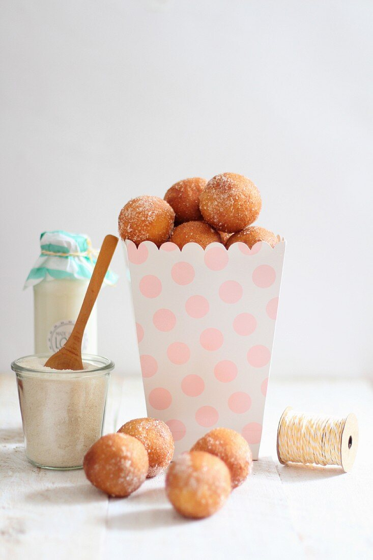 Quark doughballs with cinnamon sugar