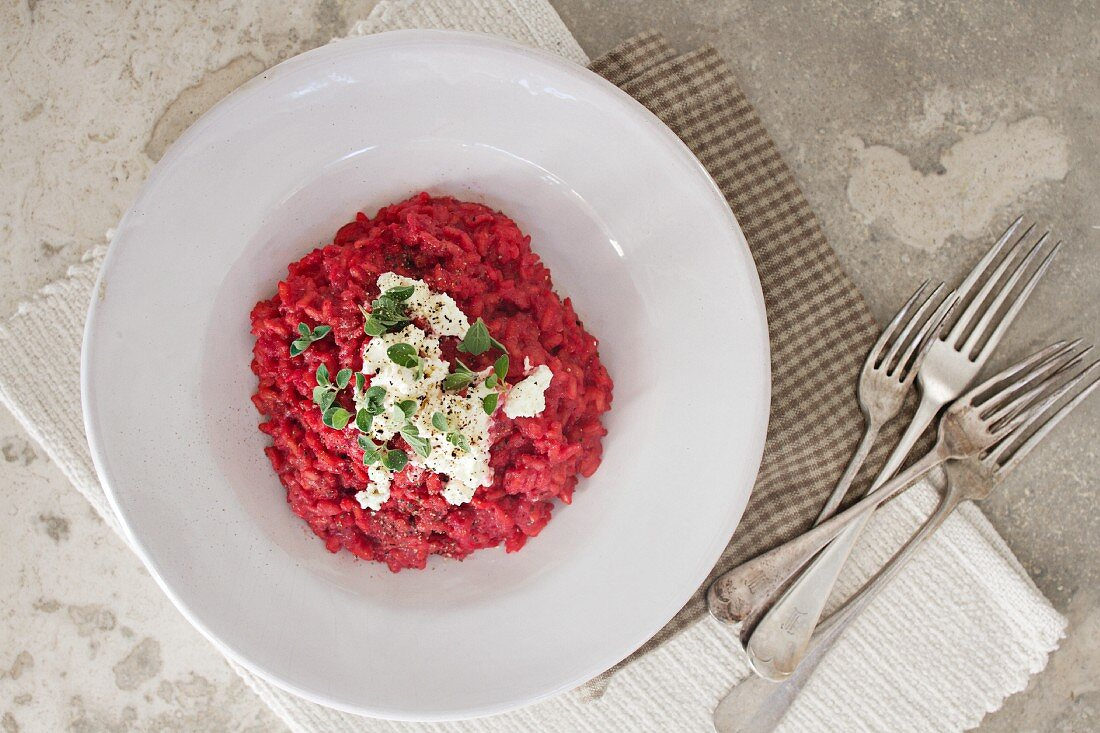 Beetroot risotto with goats' cheese