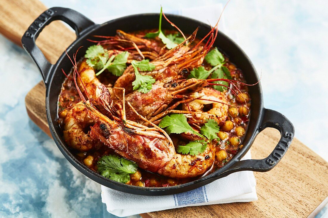A oriental prawn stir-fry with chickpeas