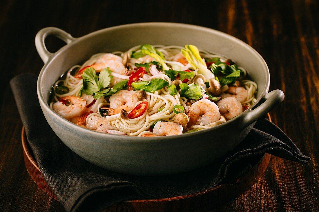 Asian lo mein noodle soup