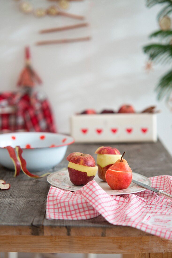 Making baked apples and pears