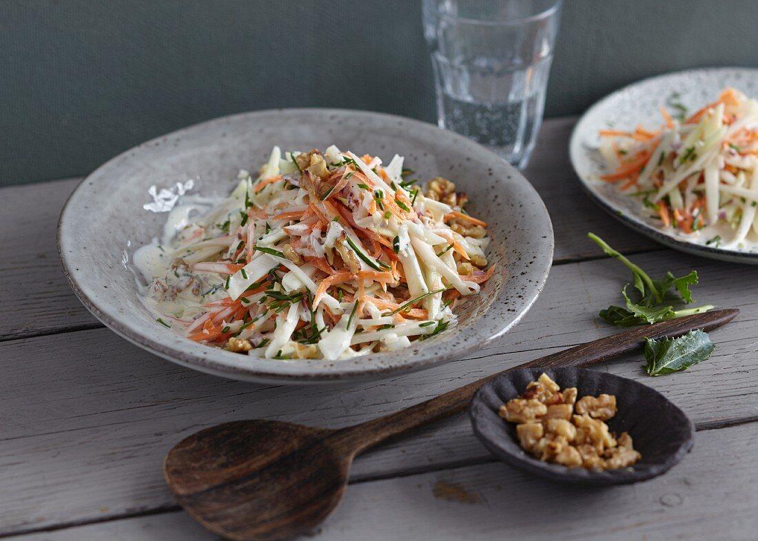 Vegetarian coleslaw with kohlrabi