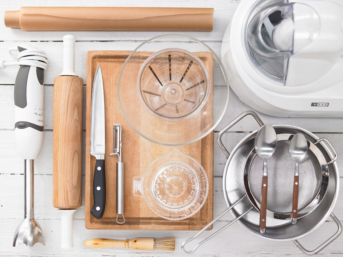 Kitchen utensils for making an exotic fruit sorbet with sesame seeds