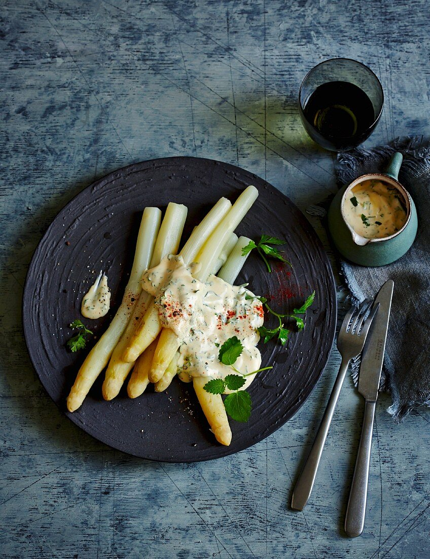 White asparagus with herb hollandaise sauce (low carb)