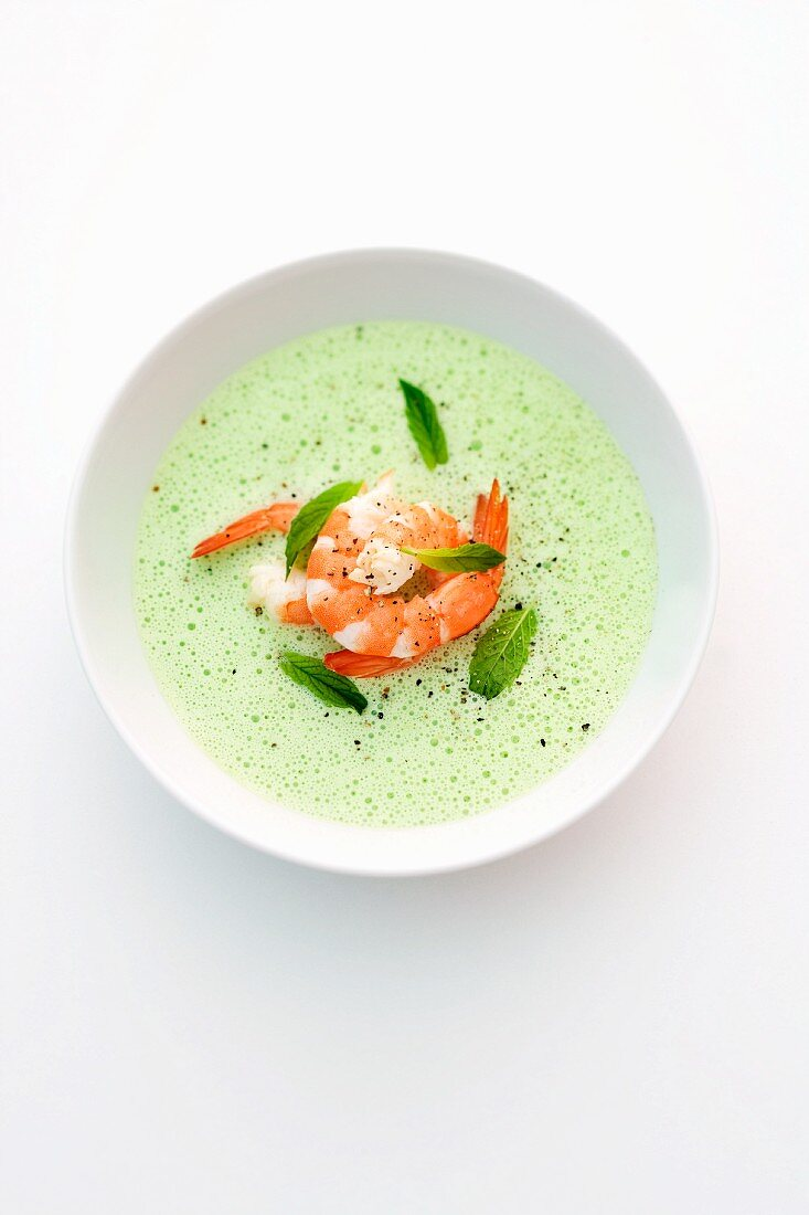 Pea soup with prawns