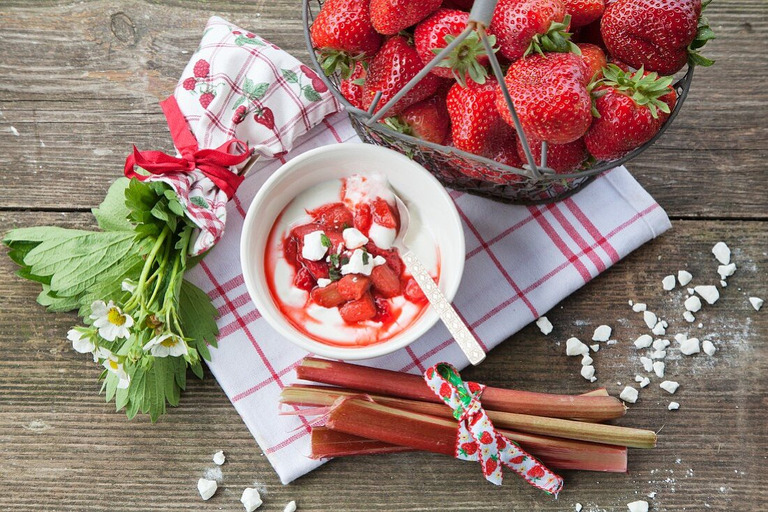 Strawberry and rhubarb compote with meringue