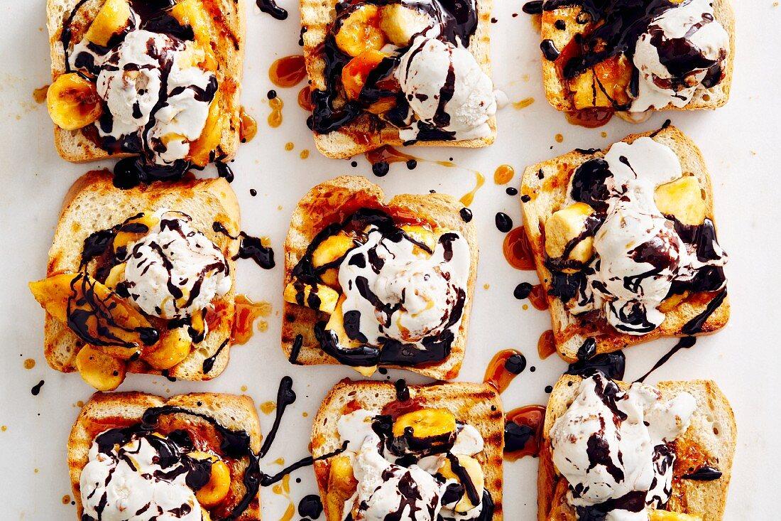Banana on toast with caramel and walnut ice cream (soul food)