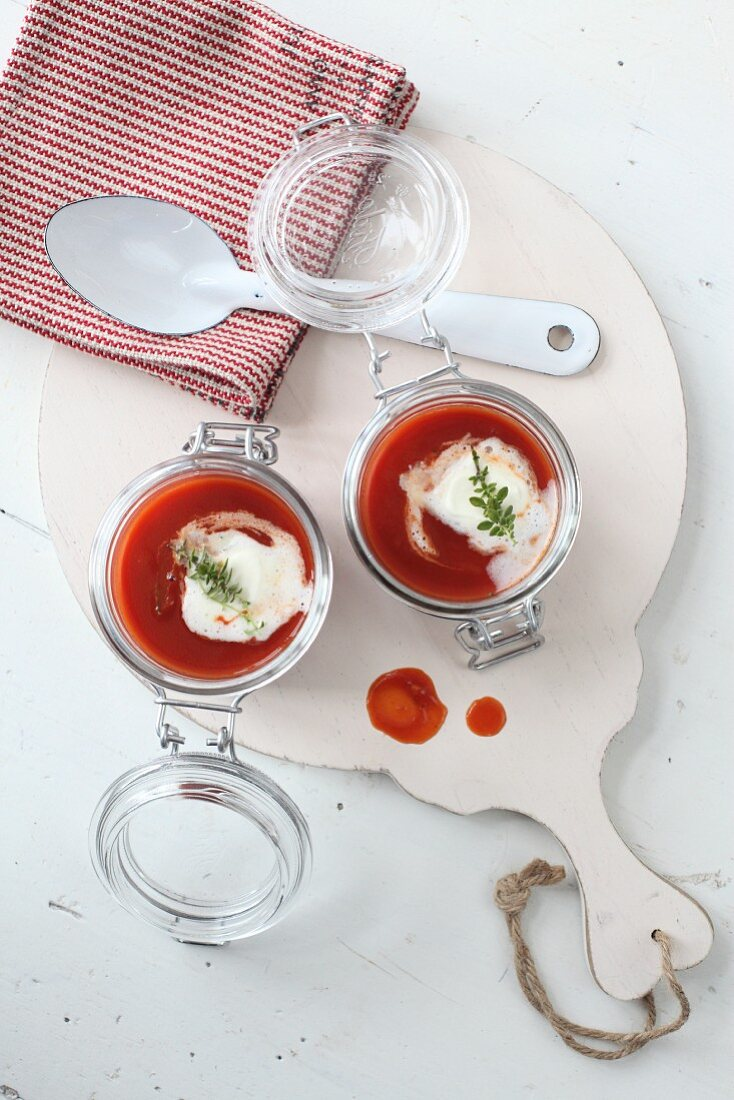 Fruity tomato soup with cream