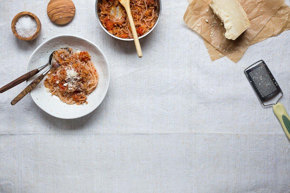 Shirataki spaghetti with fennel bolognese (low carb)